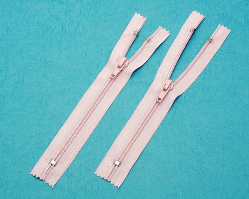 #8 RT-15 (7.1mm) Polyester close-end Zips TSF-0011